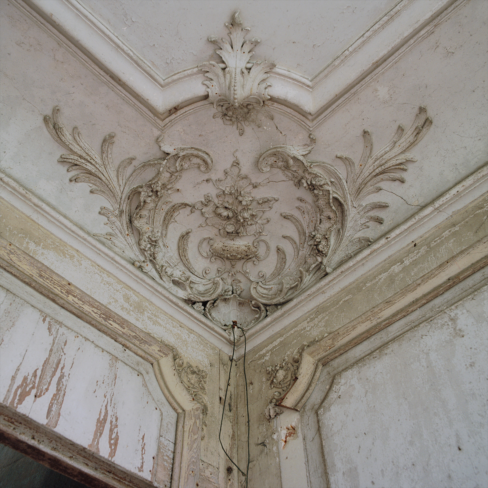 Always some elaborate stucco to be found. Château Chevalier Croquis. France.